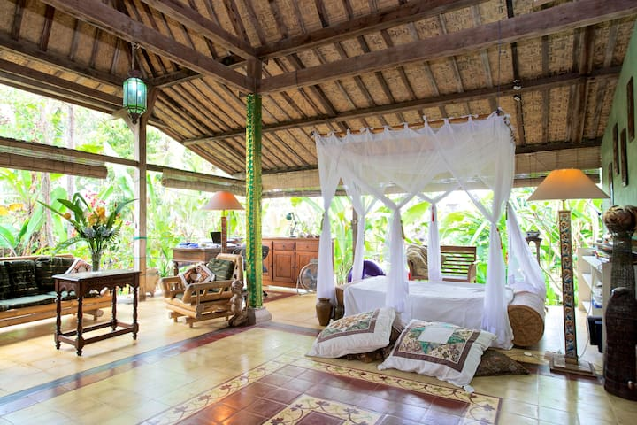 "A ""Sleep-Over"" in Our Paradise - Ubud - Bed & Breakfast"