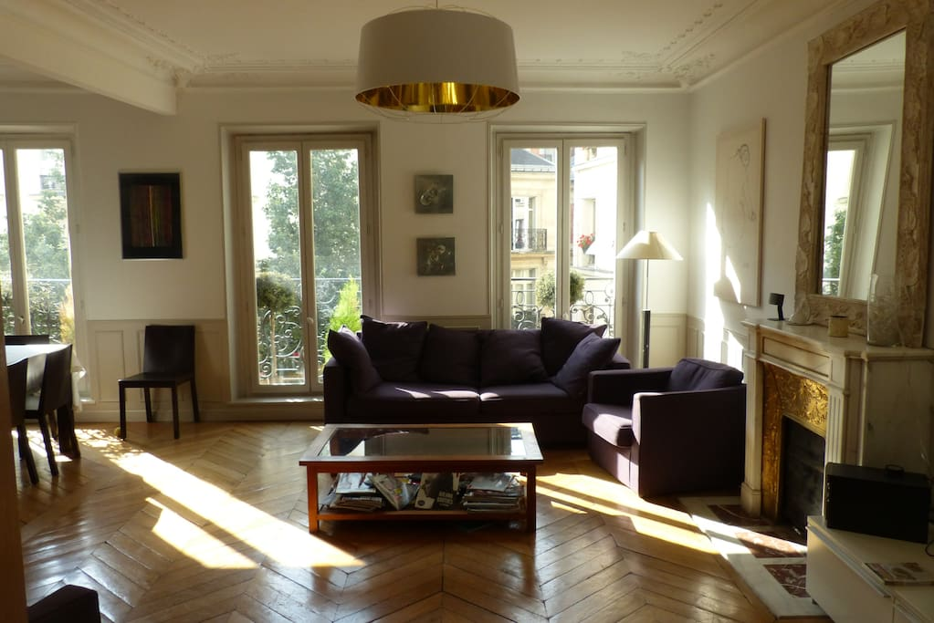 Large & luminous double living / dining room