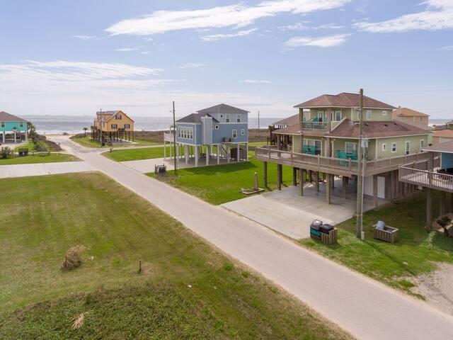 Franks Oyster House, Ocean Views, Dog Friendly, Crystal Beach, Texas, Linens