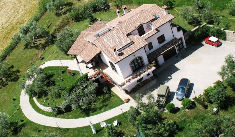 La Tua Villa A Roma - Fiano Romano - Szoba reggelivel