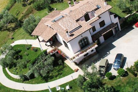 La Tua Villa A Roma - Fiano Romano - Bed & Breakfast
