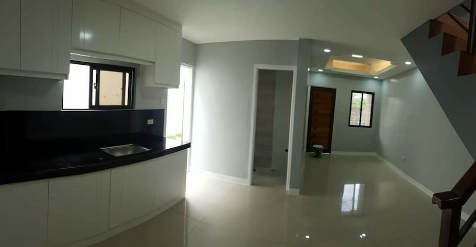 Modern Cozy 2br Apartment with Parking