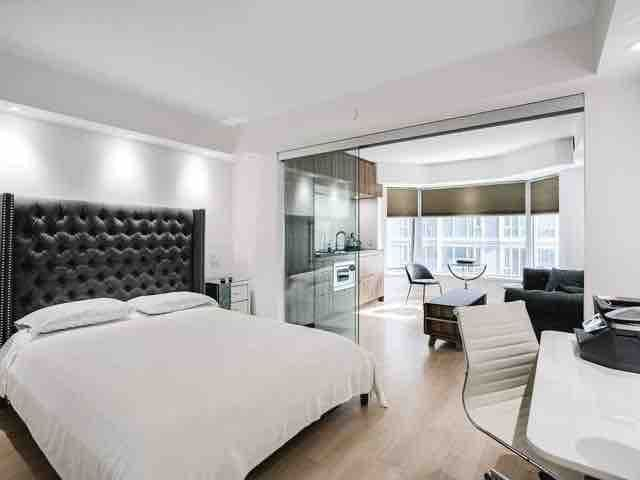 Yorkville Luxurious High-End Condominium