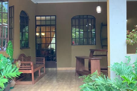 Tarakea Farm House - (A home away from home)