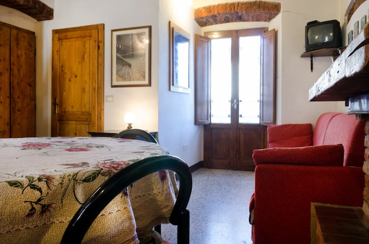 Cozy rural apartment in Campiglia