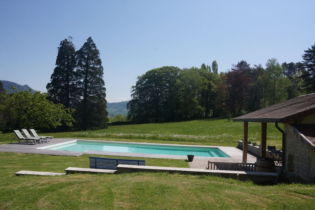 Gite dans parc arbor avec piscine apartments for rent for Piscine franche comte
