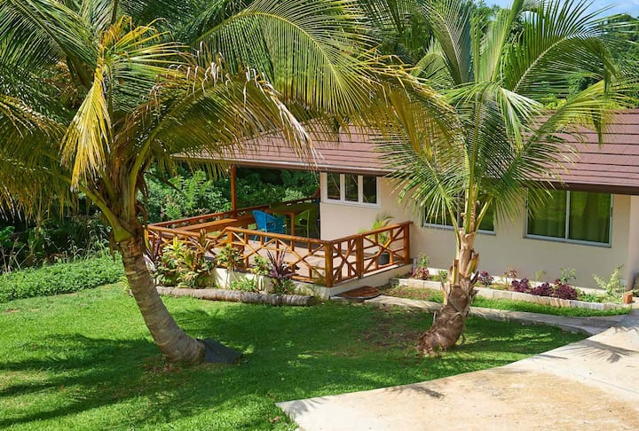 Eagle's Base Cottage overlooking the Caribbean Sea