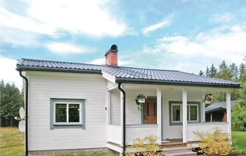 Holiday cottage with 2 bedrooms on 50m² in Höljes