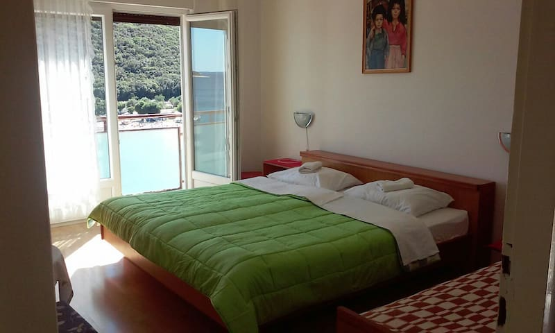 Holiday in Rabac Room with sea view - Rabac - Hus