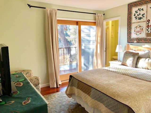 Bedroom 1 w/Queen bed & private bathroom