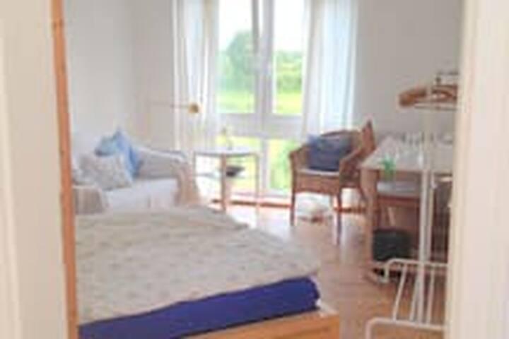 Helles Zimmer in Nordseenähe (15min)