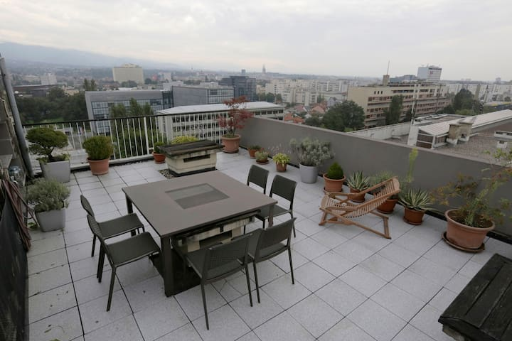 Studio overlooking downtown Zagreb - Zagreb