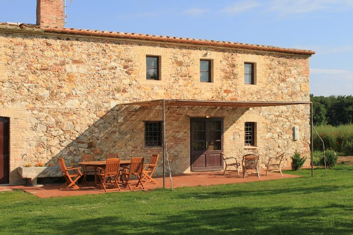 La Casa Petita. Un jardí de somni - Cassà de la Selva - House