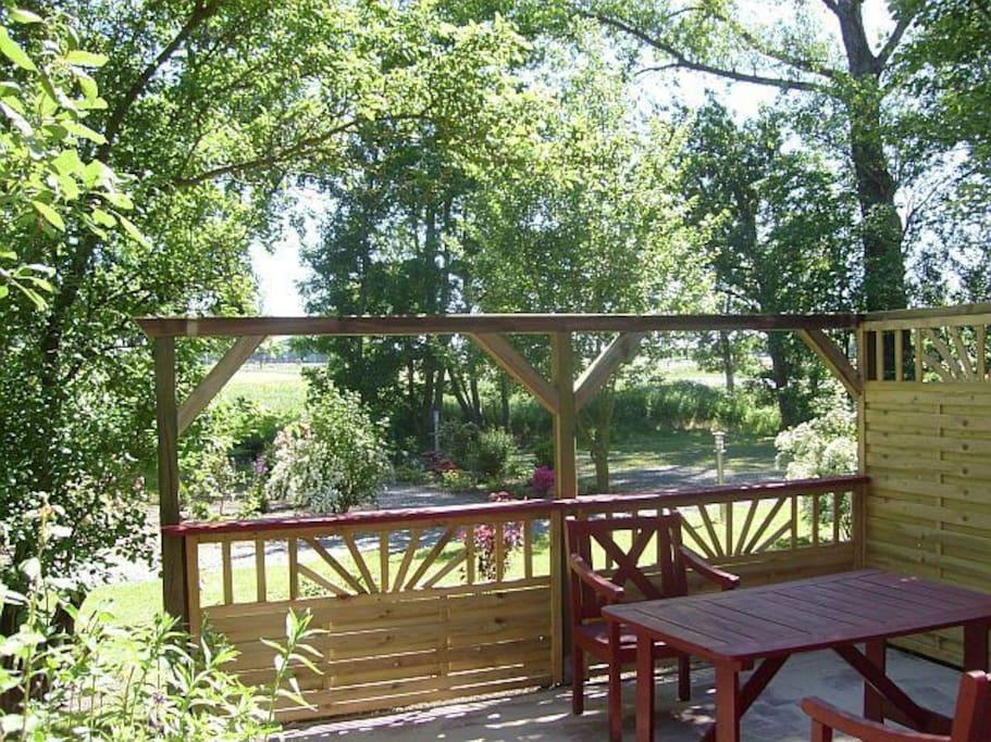 eigene Terrasse im Garten