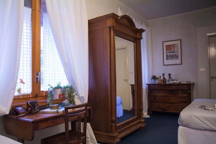 elegante camera con bagno privato - Fiano
