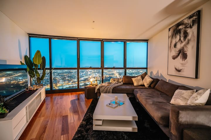 Heavenly Views Above 60F - New Luxury 2bd/2bath.