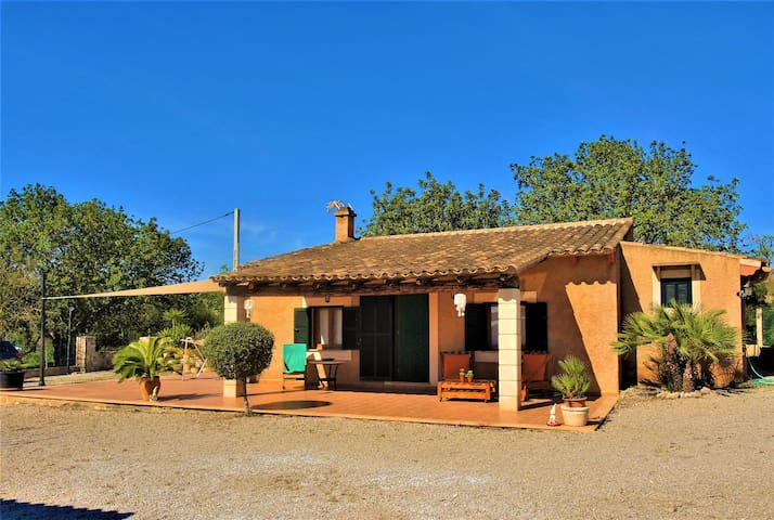 Cottage with large swimming pool and barbeque - Sant Llorenç des Cardassar - Haus