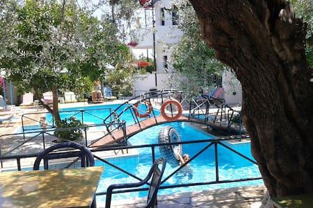 KASTRO ST & APT - Ierapetra