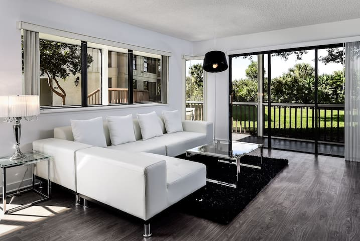 Luxury PGA National Golf Villa 2BR - Palm Beach Gardens - Apartment