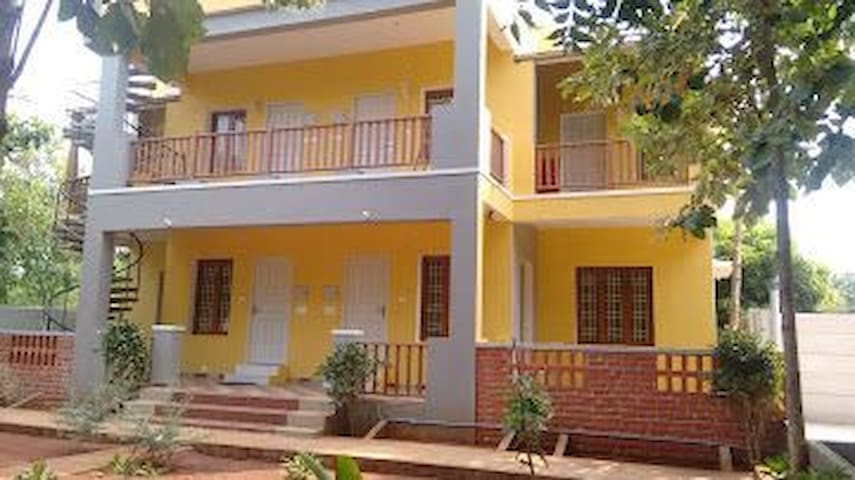 B&B w/ laundry, wifi included -Auroville Home Stay
