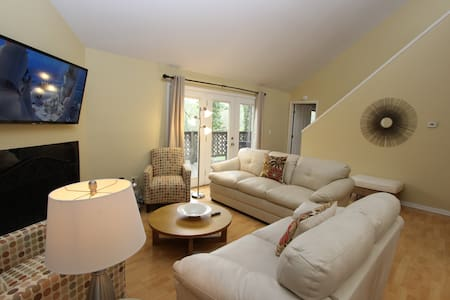 Where Movies Are Made! Sandy Springs, Spectacular Views with Modern Amenities - Sandy Springs - House