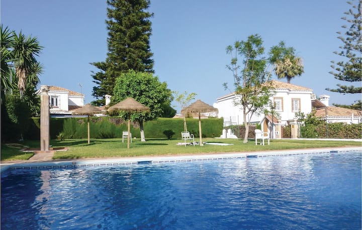 Holiday cottage with 4 bedrooms on 173m² in Torremolinos