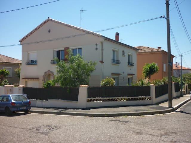 Appartement indépendant dans villa - Béziers - Lejlighed