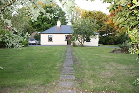 Cullentragh Cottage in the Mayo Countyside - Claremorris Co.  - Sommerhus/hytte