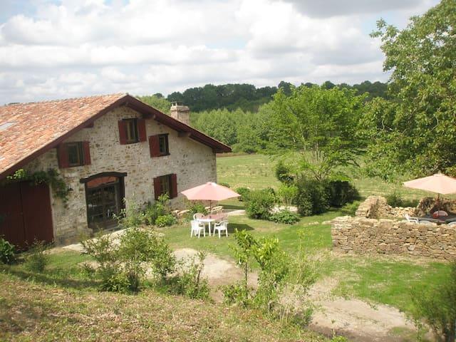 Maison de caractere près Biarritz - Bardos - Dům