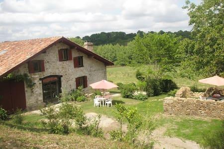 Maison de caractere près Biarritz - Bardos
