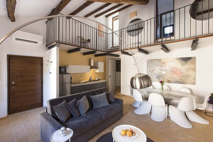 Holiday apartment for 24 guests near Campo de Fiori and Piazza Venezia - Living room