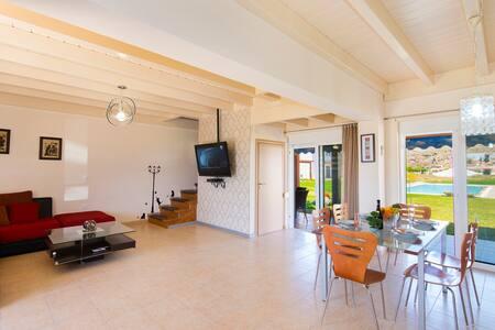 Villa with pool near the beach - Rhodes
