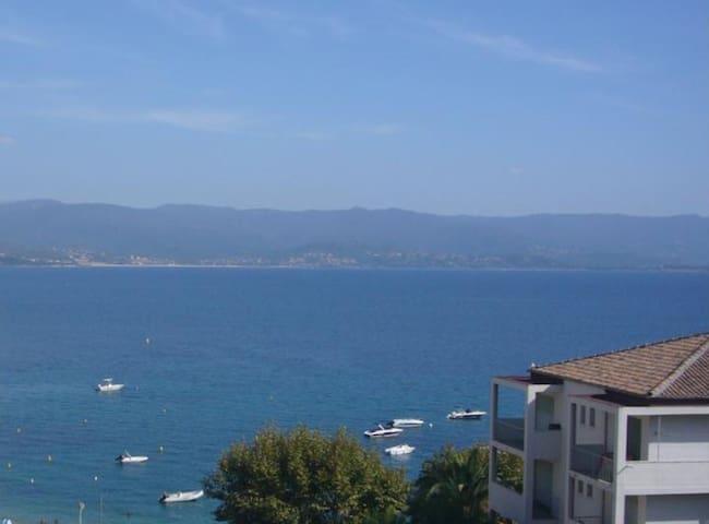 100m de la plage,15mn du vieux port - Ajaccio - Bed & Breakfast