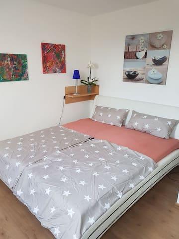 1 Zimmer in ruhiger Lage (15min vom HBF)
