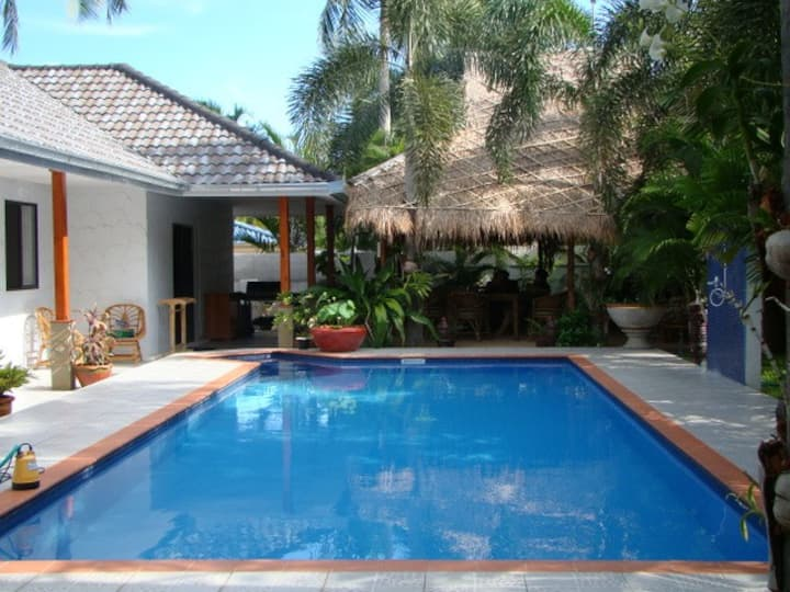 Leelawadee luxury pool garden villa