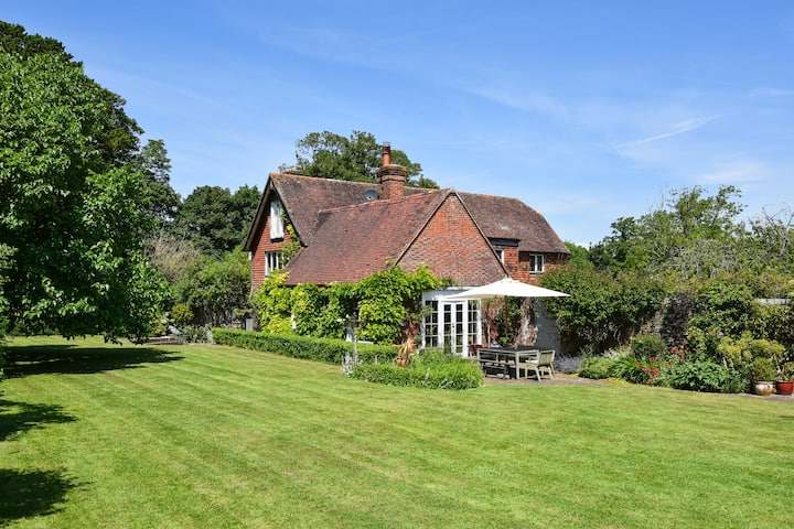 Country house with grounds near Lewes/Brighton