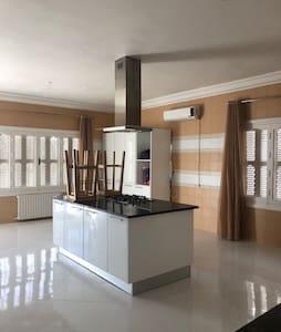Villa pied dans l eau