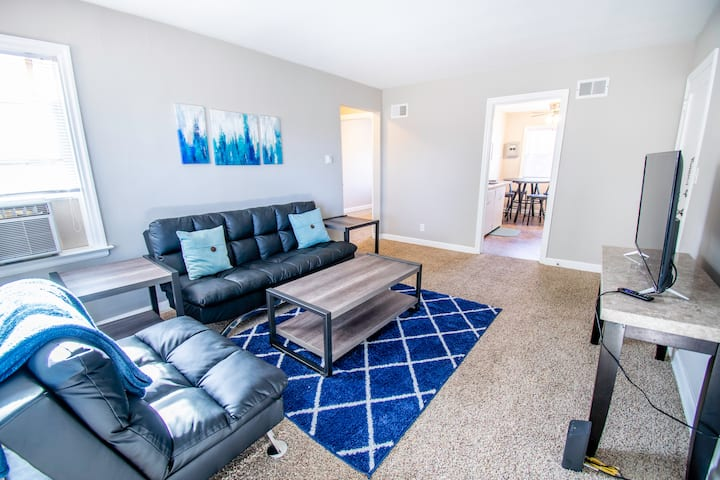 Peaceful 1BR Getaway Ideally Located Midtown! (#3)