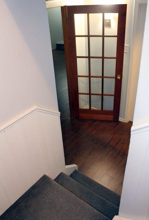 Feel like home- Separate entrance and washroom