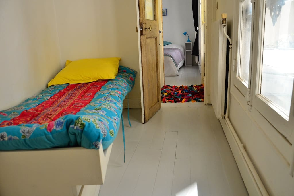 The single bedroom at the last floor with the bathroom
