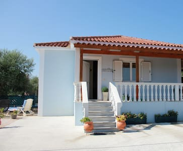 Beautiful detached zante villa with Jacuzzi - Zakinthos - Vila