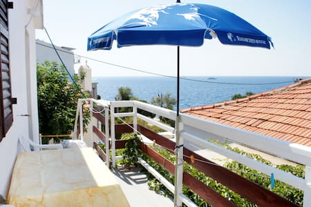Come to the sunniest island, Hvar3 - Milna - Bed & Breakfast