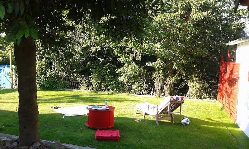 Jardin de 110 m2 de pelouse