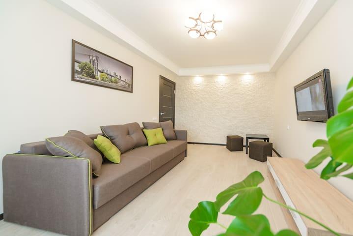 Apartment on Iordanskaya 22