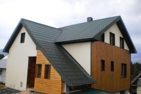 Дом или апартаменты и комнаты. Жабляк - Pljevlja