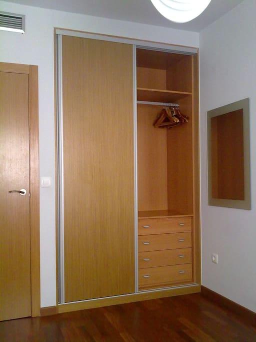 Amplios armarios