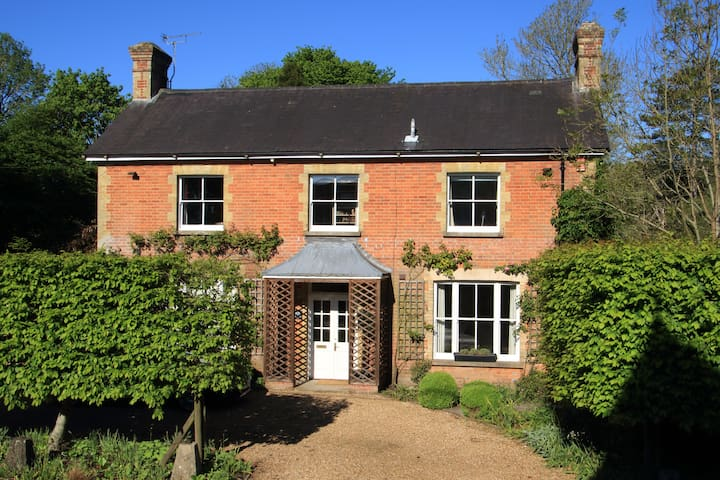 The Brick House, Cheriton - Cheriton - Гестхаус