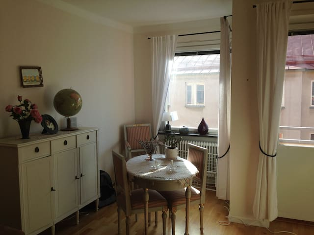 Beautiful and cosy apartment - Sundbyberg - Condominio