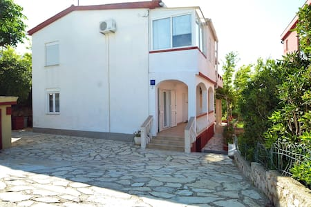 Apartment Josip in Pag