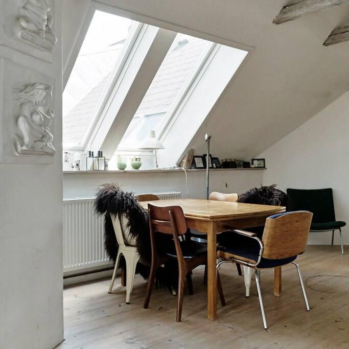 diningarea in livingroom